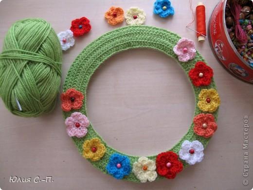 «Свет мой, зеркальце! скажи, Да всю правду доложи.. (А.С.Пушкин) Вот какой наряд появился у нашего зеркала! Я очень люблю лето, цветы, вот и получилась такая жизнерадостная цветочная полянка.  фото 3