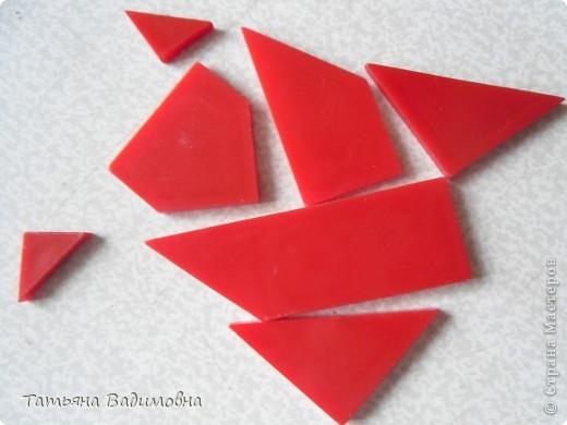 Сколько интересных и занимательных задач вы отгадывали за свою жизнь? А сколько интересных и занимательных историй про великих математиков вы слышали? А может быть, вы считаете, что математика - скучная штука? Сидя на уроках геометрии в школе и изучая окружности, каждый из нас узнает о числе «Пи». Но, как ни странно, это таинственное число можно встретить во многих других областях математики, совершенно далеких от геометрии, например в теории невероятности, в решениях задач с комплексными числами, в формуле Стирлинга, используемой для вычисления факториала и иных областях. Даже английский математик Август де Морган сказал о числе «Пи»: «Загадочное число 3,14159…, которое лезет в дверь, в окно и через крышу». Появление этого таинственного числа связано с одной из трех задач Античности: построение квадрата, площадь которого равна площади заданного круга. Эта задача понесла за собой целый шлейф драматических, курьезных и исторических занимательных фактов. Название его происходит от греческого слова, которое и начиналось на букву Пи и в переводе означало «измеряю вокруг». фото 6