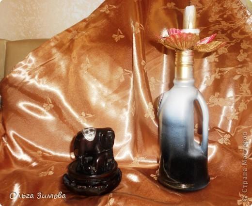 """Огонь в виде горящих свечей, лампад или светильников традиционно используется в мировых религиях как символ веры и противопоставление мраку безбожия. Огонь – непременный атрибут и популярнейшего индийского праздника Дивали. Первоначальное название Дивали – Дипавали. """"Дипа"""" - значит """"светильник"""", а """"бали"""" - """"много"""". Когда зажигают много светильников – это называется Дипавали. фото 1"""