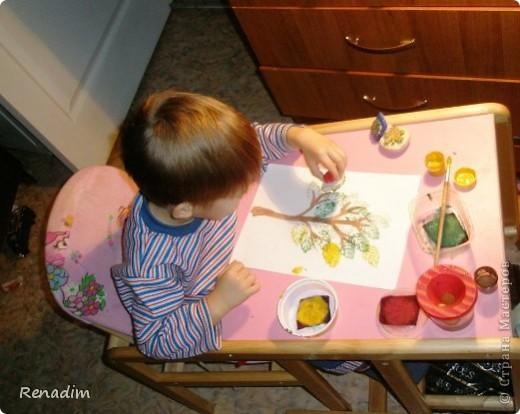 """""""Каждый ребенок – художник. Трудность в том, чтобы остаться художником, выйдя из детского возраста"""". Пабло Пикассо В изобразительной деятельности ребенок самовыражается, пробует свои силы и совершенствует свои способности Наше первое творение самодельными штампами  фото 6"""