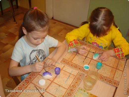 Вместе в воспитанниками мы организовали выставку пасхальных яйц. фото 4
