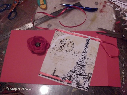 К нему можно относиться по-разному, но вряд ли кто-то возьмется спорить с тем, что Париж — один из самых романтичных и элегантных городов мира. Десятки миллионов туристов ежегодно стекаются в эту мировую столицу, что бы еще раз ощутить волшебный флер этого незабываемого города. Э́йфелева ба́шня  — самая узнаваемая архитектурная достопримечательность Парижа, всемирно известная как символ Франции, названная в честь своего конструктора Гюстава Эйфеля. Сам Эйфель называл её просто — 300-метровой башней. В 2006 году на башне побывало 6 719 200 человек, а за всю её историю до 31 декабря 2007—236 445 812 человек. То есть башня является самой посещаемой и самой фотографируемой достопримечательностью мира. Этот символ Парижа задумывался как временное сооружение — башня служила входной аркой парижской Всемирной выставки 1889 года. От планировавшегося сноса (через 20 лет после выставки) башню спасли радиоантенны, установленные на самом верху, — это была эпоха внедрения радио.  Спасибо ресурсу Википедии! фото 5