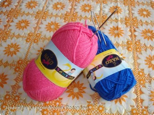 Модница готова. Обязательный атрибут - шляпка, подчёркнута тонкая талия.  фото 3