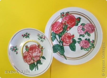 Ко Дню тарелки решила украсить блюдце и тарелочку розами в технике декупажа. фото 1