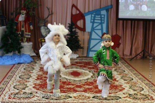 """Мы живём в Ханты-Мансийском автономном округе и нас заинтересовали ремёсла коренных народов Западной Сибири, а именно народа ханты! Вот такой оберег-украшение из """"бисера"""" , """"кожаный"""" шаманский бубен с """"меховой""""колотушкой и """"берестяной"""" туесок у нас получились! фото 8"""