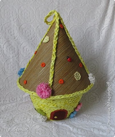 Для конкурса мной был сделан уютный домик-улей. А как же иначе? в Стране Мастеров есть Пчелки, значит у них есть улей. фото 1
