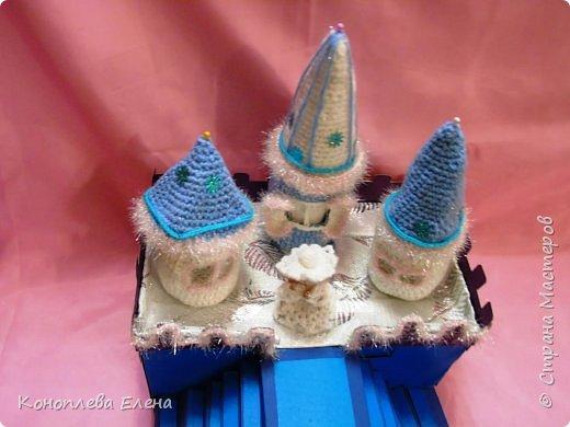 Добрый день, уважаемые мастерицы! Я на конкурс приготовила вот такой сказочный дворец для Снежной королевы. фото 11