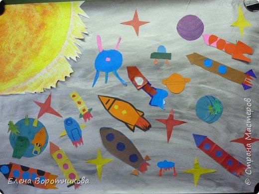В космосе так здорово! Звёзды и планеты В чёрной невесомости Медленно плывут!  В космосе так здорово! Острые ракеты На огромной скорости Мчатся там и тут!  О. Ахметова Решили, что каждый сделает свою ракету. фото 1