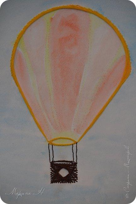 Воздушный шар выполнен в технике изонить фото 5