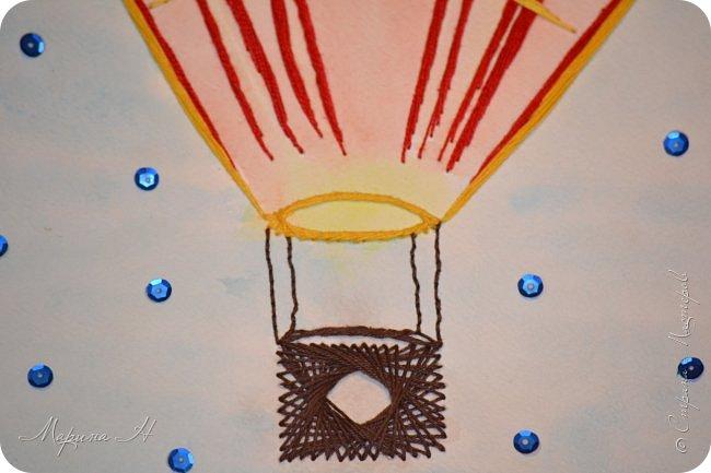 Воздушный шар выполнен в технике изонить фото 8