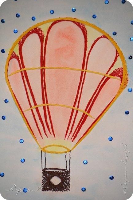 Воздушный шар выполнен в технике изонить фото 1