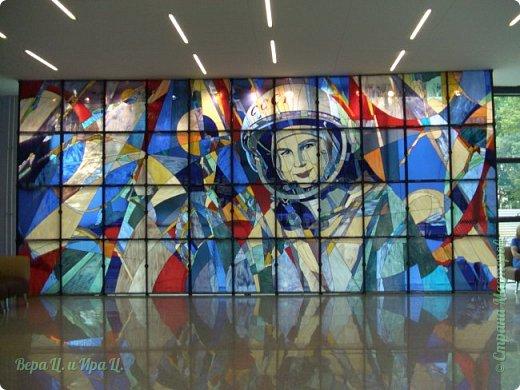 Свою работу я посвящаю моей землячке - Валентине Владимировне Терешковой - первой в мире женщине-космонавту. Свой полёт  Терешкова совершила 16 июня 1963 года на космическом корабле Восток-6, он продолжался почти трое суток. Всем известны позывной  Валентины Владимировны на время полёта - «Чайка» - и фраза, которую она произнесла перед стартом: «Эй! Небо! Сними шляпу!». фото 7