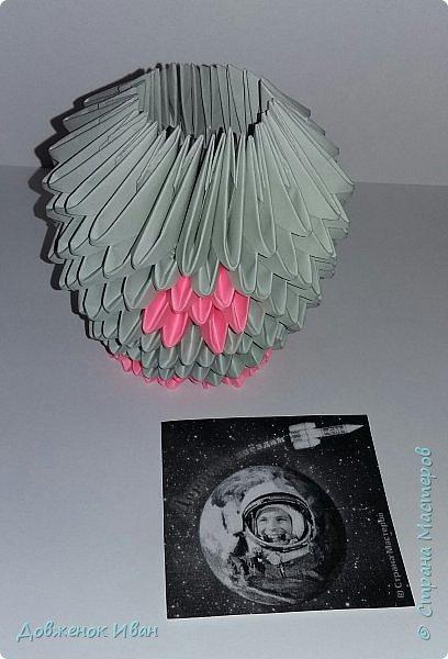 После полёта Ю. А. Гагарина в космос практически на всех детских площадках, рядом с песочницами, появились деревянные ракеты. И дети, играя в космонавтов, мечтали полететь на ней в космос. У кого-то из них мечта сбылась и стала реальностью. фото 3