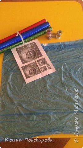 Здравствуйте, я работаю в детском саду. К Дню космонавтики решили изготовить костюм инопланетянина, способ очень простой и интересный. В изготовлении костюма мне помогала моя воспитанница Вергунова Мария. фото 2