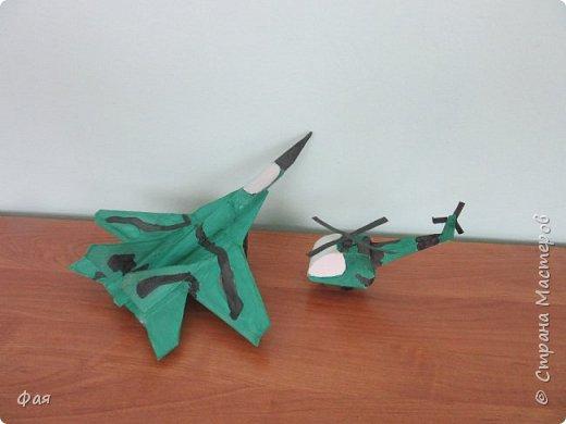 Ребята решили сделать на конкурс военный самолет МИГ-29 и вертолет. фото 6