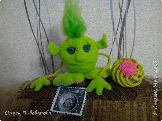 Знакомьтесь Инопланетяночка!!! Сидит ждет когда распустится инопланетный цветок... фото 1