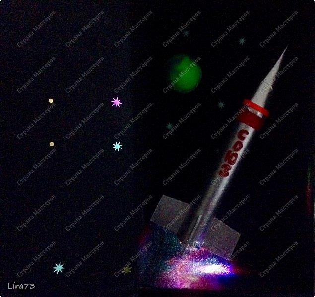 """Всем здравствуйте! Представляю ещё одну совместную работу моих учеников, а точнее дуэта девочек - мини-макет полёта ракеты """"Союз"""" фото 2"""