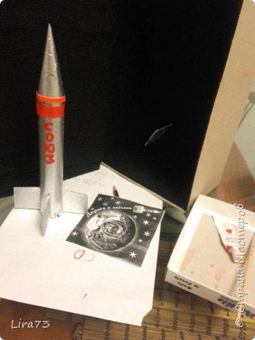"""Всем здравствуйте! Представляю ещё одну совместную работу моих учеников, а точнее дуэта девочек - мини-макет полёта ракеты """"Союз"""" фото 8"""