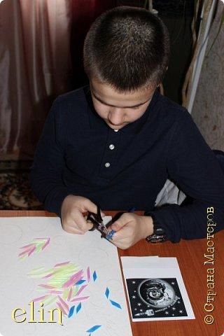 Здравствуйте! Это работа моего сына Димы, ему 11 лет. Он создал новую галактику, которую ему подсказала его фантазия, галактика с загадочным названием.  Дима знал, что Галактика  — связанная система из звёзд и звёздных скоплений, разных небесных тел, планет. фото 7