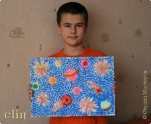 Здравствуйте! Это работа моего сына Димы, ему 11 лет. Он создал новую галактику, которую ему подсказала его фантазия, галактика с загадочным названием.  Дима знал, что Галактика  — связанная система из звёзд и звёздных скоплений, разных небесных тел, планет. фото 11