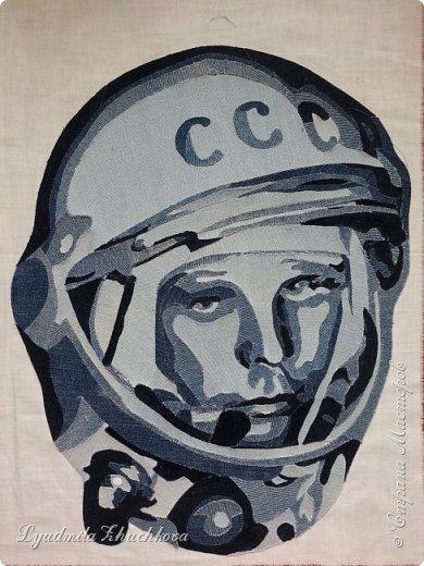 Прочитав номинации конкурса , я сразу решила, что буду делать портрет Ю.А, Гагарина. Для меня Юрий Гагарин-герой, символ эпохи, гордость нашей страны. фото 6