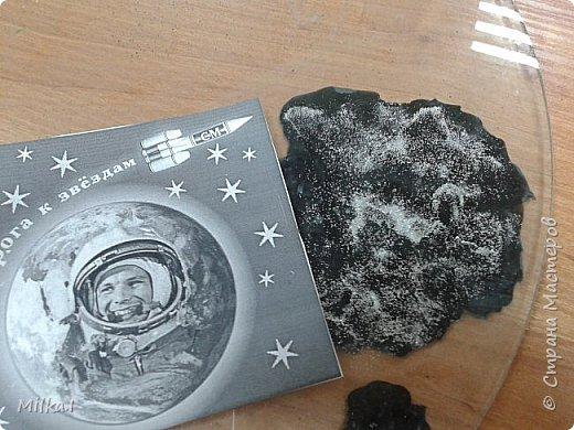 В космосе так здорово! Звёзды и планеты В чёрной невесомости Медленно плывут!  В космосе так здорово! Острые ракеты На огромной скорости Мчатся там и тут! Оксана Ахметова фото 2