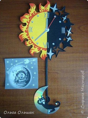 """Решили мы с ребятами сделать к данному конкурсу модели часов на космическую тему.Это мои часы под названием """"Солнце,звёзды и луна"""" фото 4"""