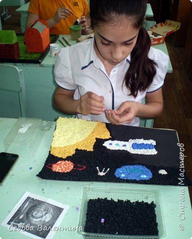 """Представляем вашему вниманию работу """"Космическое небо"""" Исмаиловой Назрин, выполненную в технике салфеточная аппликация. фото 4"""