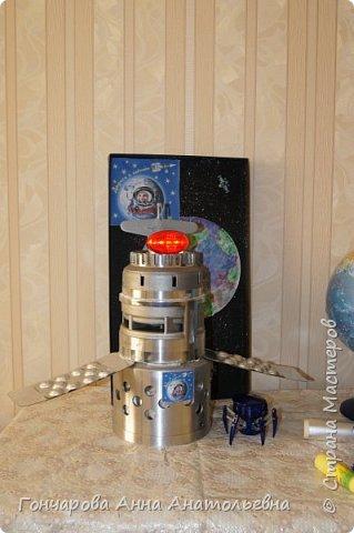 """Я изготовил из отходов Орбитальную космическую станцию ВЧНД-8. Как расшифровать ВЧНД-8? Это -  """"всё, что нашёл дома"""", а цифра 8, потому что мне восемь лет! фото 6"""