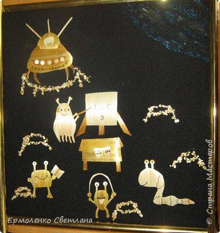 Доброго времени суток, мастера и мастерицы! Жители планеты Кратеров готовятся к дружественному полету на планету Земля! Они изучают алфавит, цифры, даже детские игры,  как прыжки на скакалке, нужно изучить, а иначе как общаться с землянами? И космолет готов - рейс Земля! фото 1