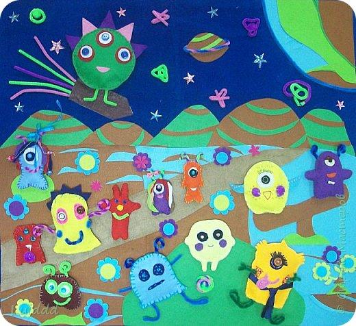Добрый день, жители Страны Мастеров! Представляем вашему вниманию инопланетный детский сад. Размер работы 70х80 см. фото 1