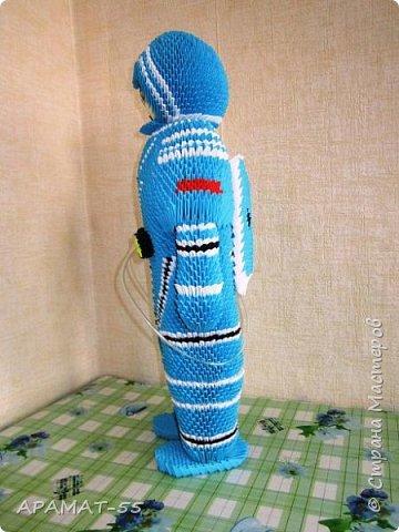 Здравствуйте!!!  Вот ещё одну работу представляю на конкурс. Создался образ космонавта. К полету готов. Высота 60 см. Смотрите. фото 2
