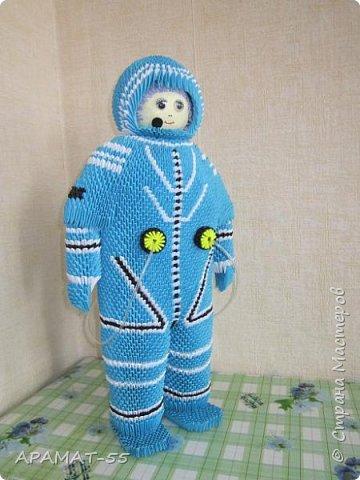 Здравствуйте!!!  Вот ещё одну работу представляю на конкурс. Создался образ космонавта. К полету готов. Высота 60 см. Смотрите. фото 5