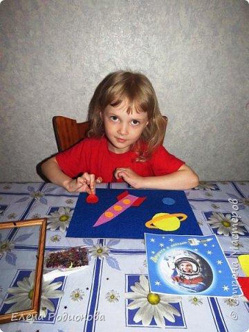 Нам с Ксюшей нравится работать с фетром. Для её возраста несложно, а работа получается яркая. фото 5