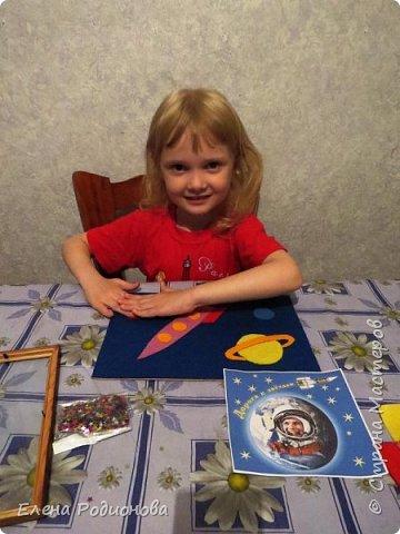 Нам с Ксюшей нравится работать с фетром. Для её возраста несложно, а работа получается яркая. фото 6