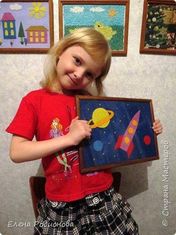 Нам с Ксюшей нравится работать с фетром. Для её возраста несложно, а работа получается яркая. фото 7