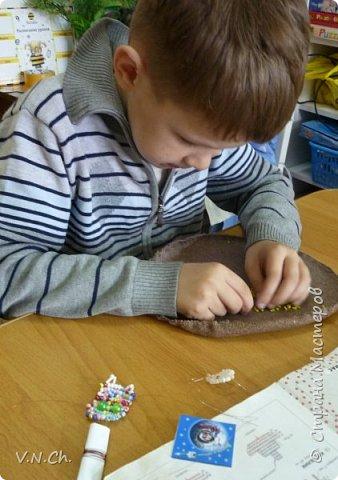 Семён любит конструировать. Предлагаемый образец в любой технике исполнения мальчик всегда переделает по-своему. У него своё видение пространства. фото 4