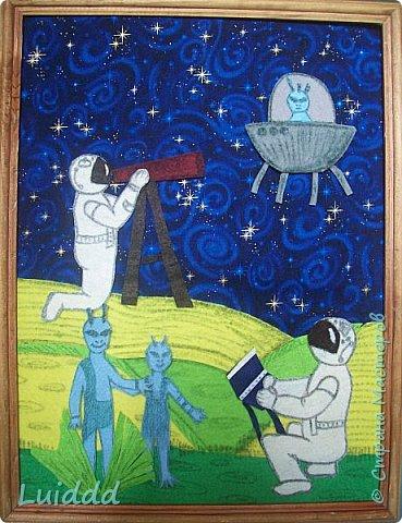 Здравствуйте жители планеты Страна Мастеров, приветствуем вас от имени всех инопланетян и представляем вашему вниманию нашу работу. Готовясь к конкурсу нас очень заинтересовал вопрос космических профессий. Предположив, что когда нибудь все равно будет найдена инопланетная цивилизация, мы предположили, что для  её изучения  как раз и понадобятся инопланетные этнографы - космонавты. Решили изобразить работу космонавтов - этнографов по изучению быта и передвижения инопланетян. Справка: Профессиональный этнограф (от греч.ethnos – племя, grapho – пишу) занимается изучением этнических общностей и народов-этносов, их быта, культуры, этногенеза, передвижений, расселений и культурно-исторических отношений. фото 1