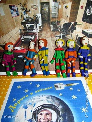 «МАРС-500» — международный космический проект. Лётчик-космонавт Российской Федерации Борис Моруков исполнял обязанности директора. Марс -500 – это эксперимент, который имитирует пилотируемый полёт на Марс. Проект был организован в 2010-2011 годах совместно с Европейским космическим агентством. Цель проекта:особенности пилотируемого полёта на МАРС  и его влияние на здоровье экипажа из шести человек. фото 2