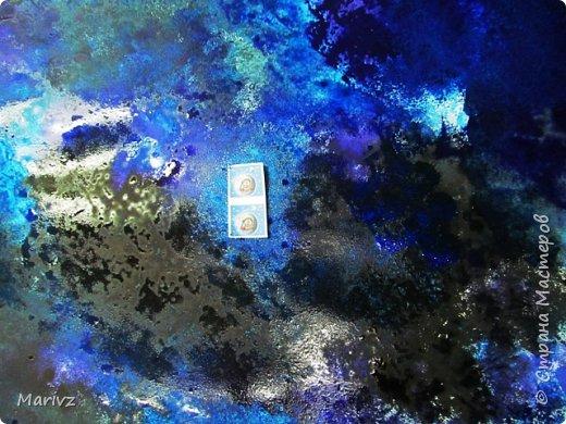 Рисунок был создан после обсуждения известного мифа о Дедале и Икаре. Икар мечтает о полётах в небо.Небо будто зовёт и манит его .Мечтатель поднимается ввысь и ...погибает от лучей жаркого солнца.А космос продолжает вдохновлять людей на полёты. фото 3