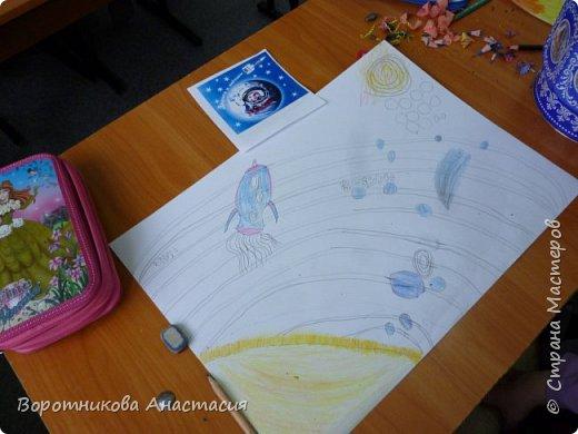 Ангелина нарисовала полет космического корабля к звездам. фото 2