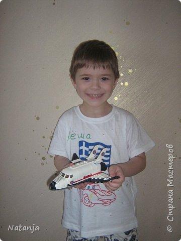 Моему старшему сыну 4,5 года. Сейчас сидит дома на больничном. Папе стало жалко  сына и купил  ему, два дня назад, новый конструктор. И так получилось, что это оказался космический корабль! фото 4