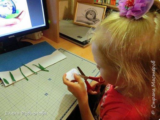 """Решили мы с Ксюшей сделать подснежники в традиционной для неё технике """"Аппликация из фетра"""". фото 4"""