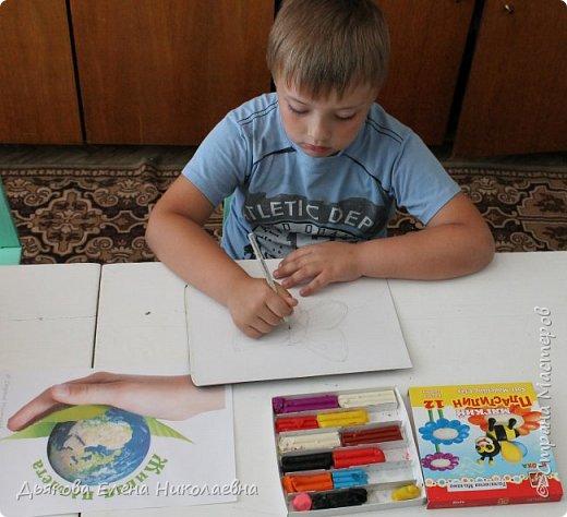 Слава выполнил работу в техники пластилинография. фото 3