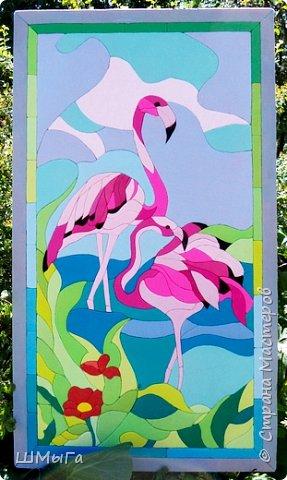 Фламинго очень изящная и необычная птица. Недаром, она привлекла внимание многих конкурсантов. Вот и Полина не устояла перед грациозностью этой птицы. Длинные ноги, гибкая шея и особый, изогнутый вниз клюв делают фламинго эталоном птичьей красоты.  Представляем вашему вниманию панно в технике кинусайга. Девочки мои впали в гигантизм, их работы становятся все больше и больше. Конечно, и времени затрачено немало, но оно того стоит. фото 1