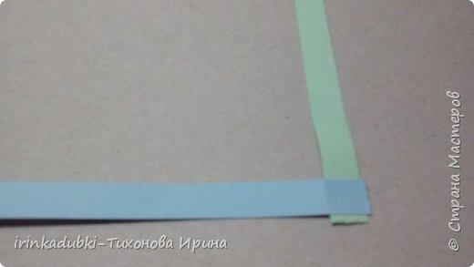 Петушок. Выполнен из цветного картона и бумаги. Может украсить полочку с книгами, повисеть на елочке, а может даже спрятать внутри себя подарочек. фото 10