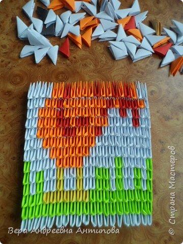 Очень обрадовалась новому конкурсу, решила сразу, что петушки мои будут в технике модульного оригами, обожаю эту технику. Первого петушка собрала объёмного, его можно посмотреть здесь http://stranamasterov.ru/node/1057851?k=all&u=338230.  Второго решила собрать плоскостного, в виде картины. Раньше картины модульные не собирала, было очень любопытно попробовать. И конкурс как раз кстати подошел. Вот что у меня получилось. фото 9