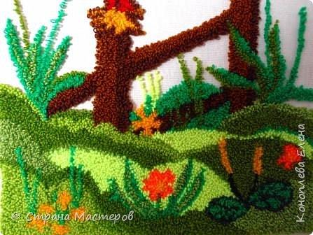 """Добрый день мастера и мастерицы! Представляю свою конкурсную работу, которую я решила выполнить в технике """"ковровая вышивка"""". Техника ковровой вышивки (или ручной набивки) очень легка в исполнении, а выполненные изделия выглядят очень эффектно и способны украсить любой дом. Мое панно со сказочным петушком будет украшать комнату моей любимой внученьки (ей 2 годика). фото 8"""