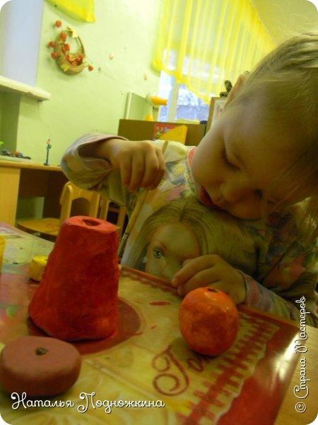 """Идея игрушки """"Петя-петушок"""" возникла после  просмотра советского короткометражного рисованного мультфильма «Пропал Петя-петушок»о том, как опасно быть непослушным.Главный герой  мультфильма — маленький и очень любопытный цыплёнок Петя.  фото 12"""