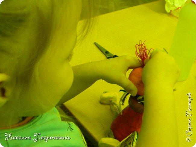 """Идея игрушки """"Петя-петушок"""" возникла после  просмотра советского короткометражного рисованного мультфильма «Пропал Петя-петушок»о том, как опасно быть непослушным.Главный герой  мультфильма — маленький и очень любопытный цыплёнок Петя.  фото 18"""